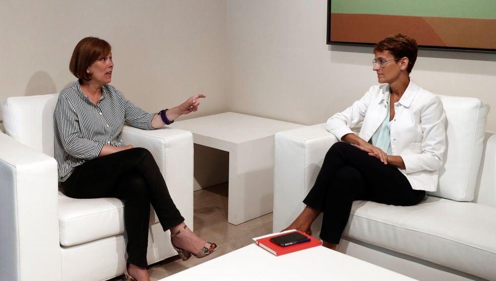 Uxue Barkos y María Chivite formalizan el traspaso de poderes del Gobierno de Navarra