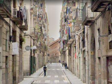 La calle en la que ocurrieron los hechos, en el Raval de Barcelona