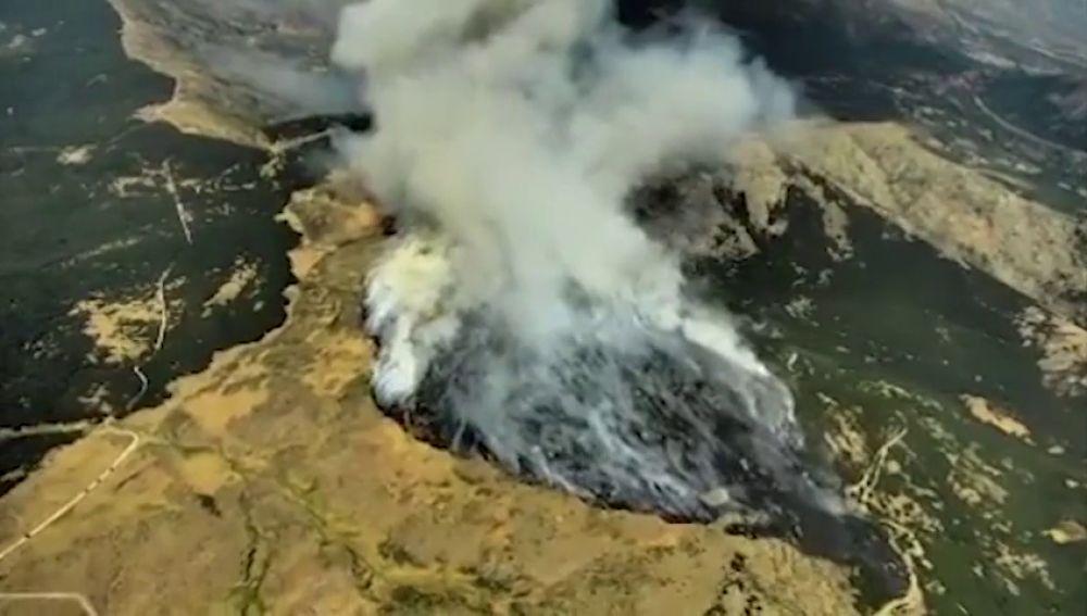 Imágenes aéreas de los bomberos del incendio de La Granja, en Segovia