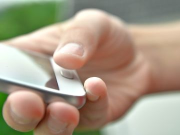 Una interfaz móvil permite programar la liberación de fármacos en cerebro