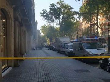 Detenido por provocar un incendio en un banco de Barcelona con la batería de un patinete eléctrico