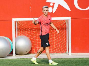 Roque Mesa, entrenado con el Sevilla FC