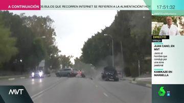 Accidente de un coche en su huida de un atropello masivo en Puerto Banús