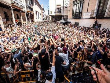 Actuación del grupo Viva Suecia en la Plaza del Trigo de Aranda de Duero