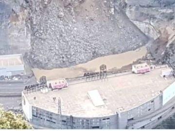 Despredimiento de rocas que ha obligado a cortar la carretera en Andorra
