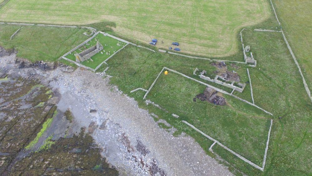 Descubrimiento de un salón vikingo en una isla remota de Escocia