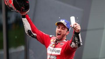 Dovizioso celebra su victoria en el GP de Austria