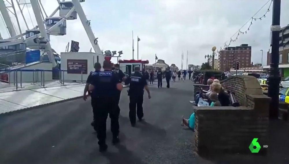 Un incidente químico obliga a cerrar el paseo marítimo de Worthing, en Reino Unido