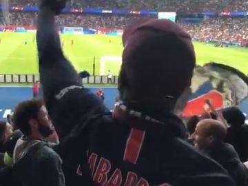 Aficionados del PSG cargan contra Neymar