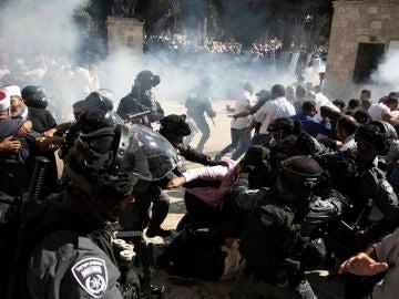 Enfrentamientos de palestinos con la policía en Jerusalem