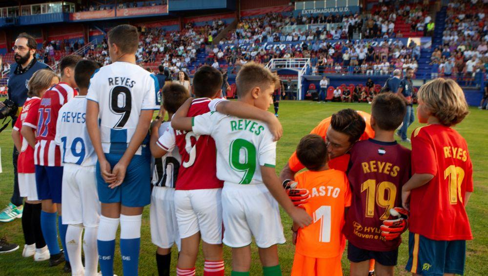 Momento del partido de homenaje a José Antonio Reyes