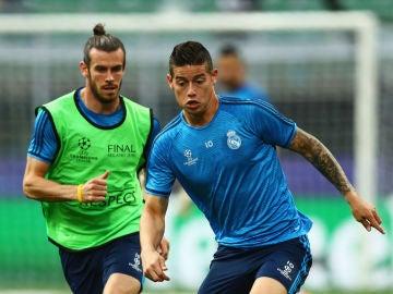 Gareth Bale y James Rodríguez, durante un entrenamiento del Real Madrid