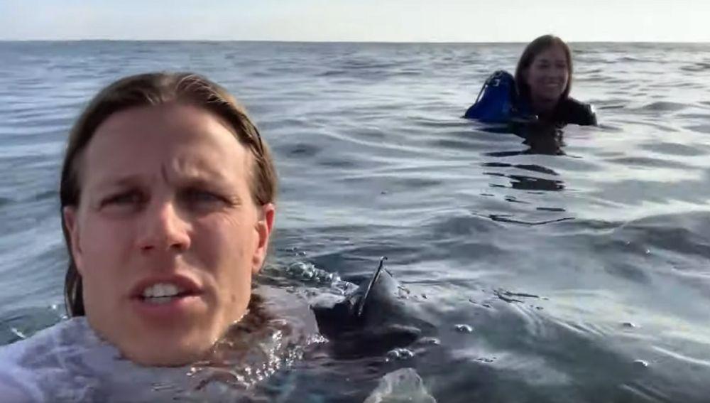 David Lesh y su amiga Kayla en su naufragio en el Océano Pacífico