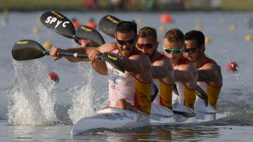 El equipo español de K4 en los Mundiales de piragüismo