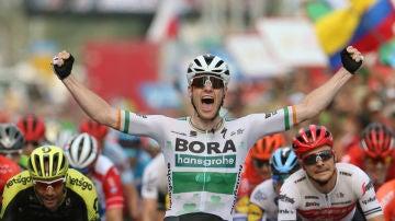 Bennett celebra una victoria en la Vuelta