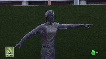 Espectacular: así es la estatua de tres metros de Johan Cruyff en la explanada del Camp Nou