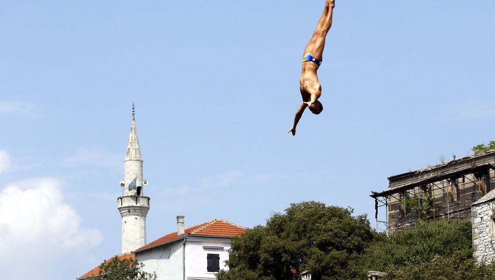 Red Bull Cliff Diving Mostar.