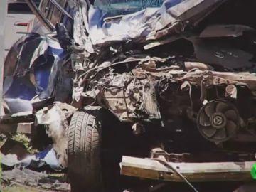 Un atleta choca frontalmente con un autobús y sale ileso del accidente