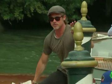 Brad Pitt a su llegada al festival de Venecia.