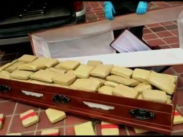 La Policía encuentra 300 kilos de cannabis ocultos dentro de un ataúd