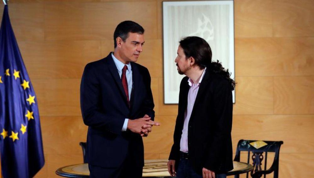 Pedro Sánchez y Pablo Iglesias durante una reunión