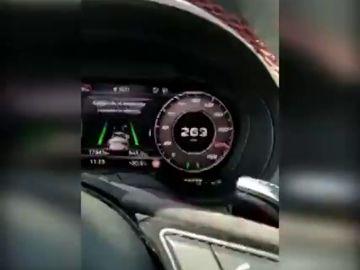 Denuncian a un conductor por circular a 263km/h y grabarlo en vídeo