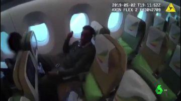 La Policía detiene a un pederasta en un avión a punto de fugarse a Etiopía