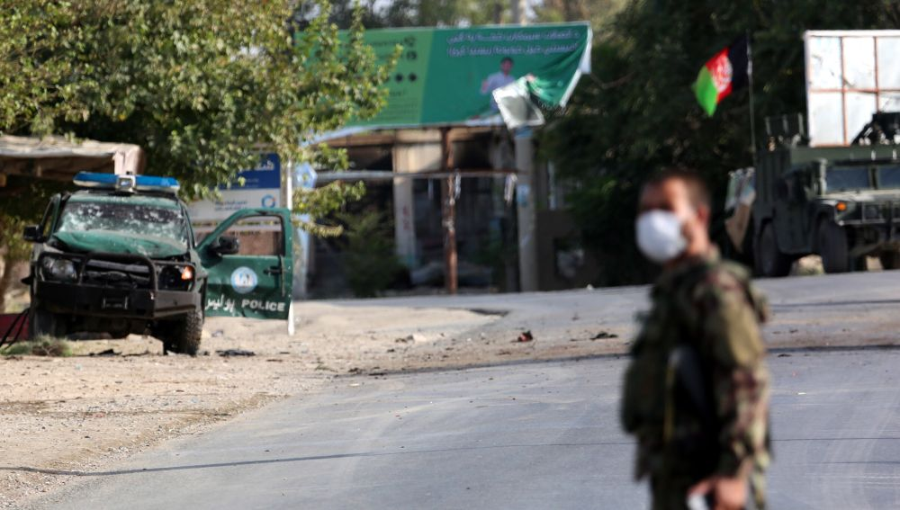 Imagen de un militar en las calles de Kabul