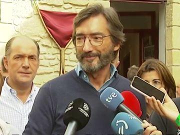Iñaki Oryazábal, ante los medios