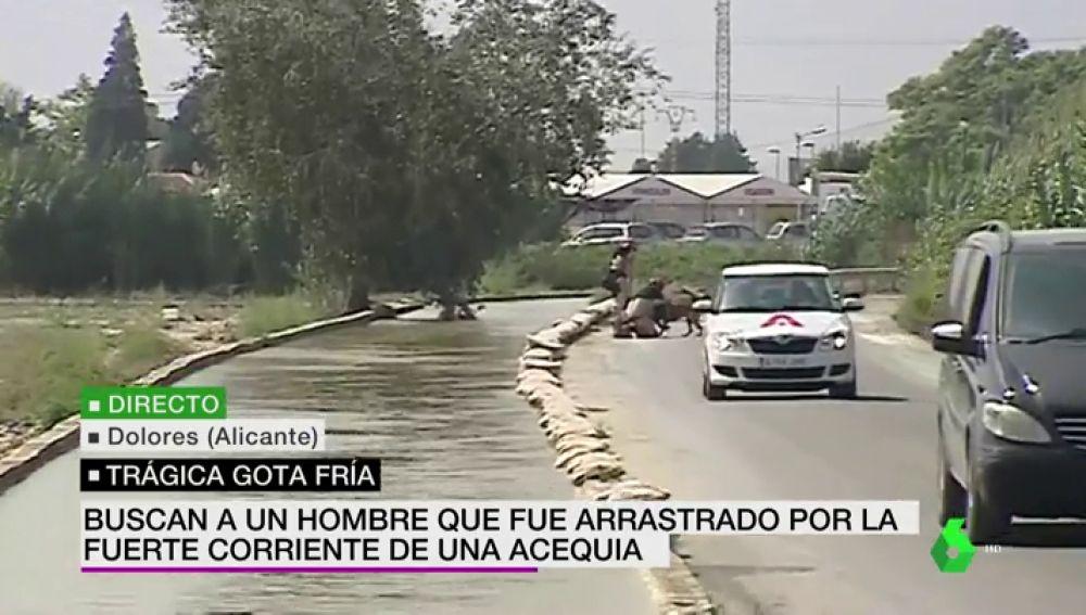 Siguen buscando al hombre arrastrado por el torrente de una acequia en las riadas de Dolores, Alicante
