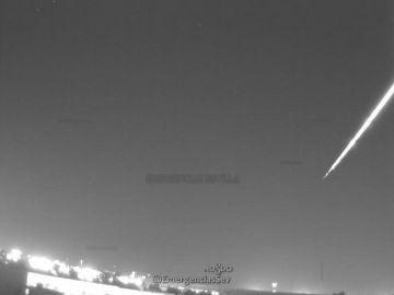 Una bola de fuego provocada por una roca de asteroide atraviesa el cielo de Sevilla y Córdoba