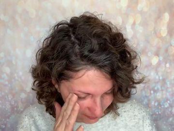 Una 'youtuber' despierta con un terrible dolor de cabeza que resulta ser un cáncer terminal