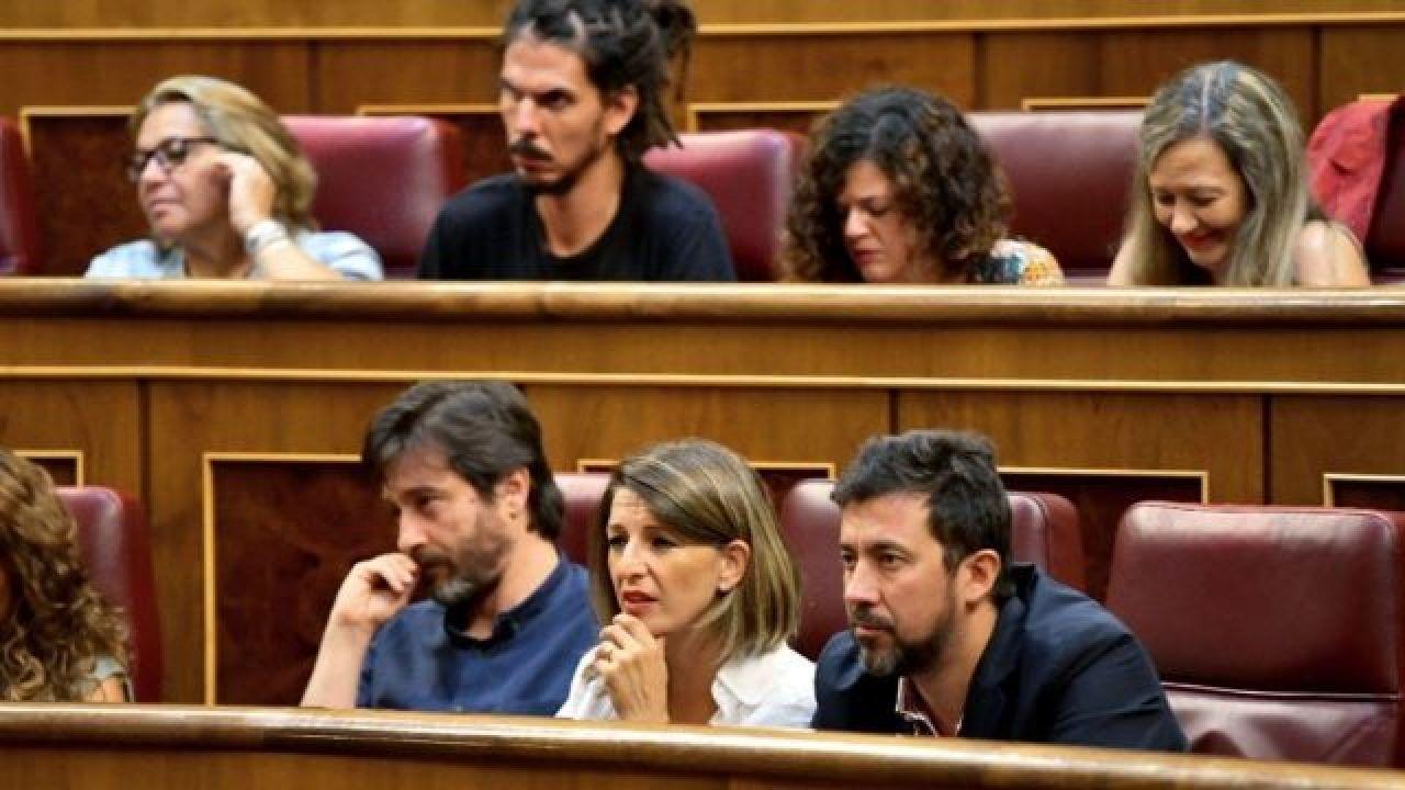 """Citan como imputados por """"atentado contra la autoridad"""" a Yolanda Díaz, Antón Gómez-Reino y Rafa Mayoral"""