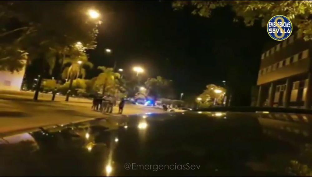 Detenido un motorista sin carnet en Sevilla tras participar en una carrera ilegal y atropellar a dos policías