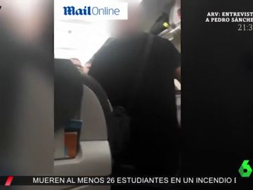 Expulsado de un avión en Gran Canaria por amenazar al auxiliar de vuelo con cortarle el cuello