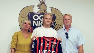 Dolberg, con la camiseta del Niza