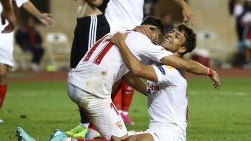 Óliver Torres celebra su gol contra el Qarabag