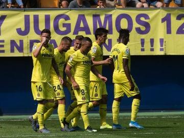El Villarreal celebra un gol