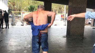Imagen del hombre apuñalado en Barcelona