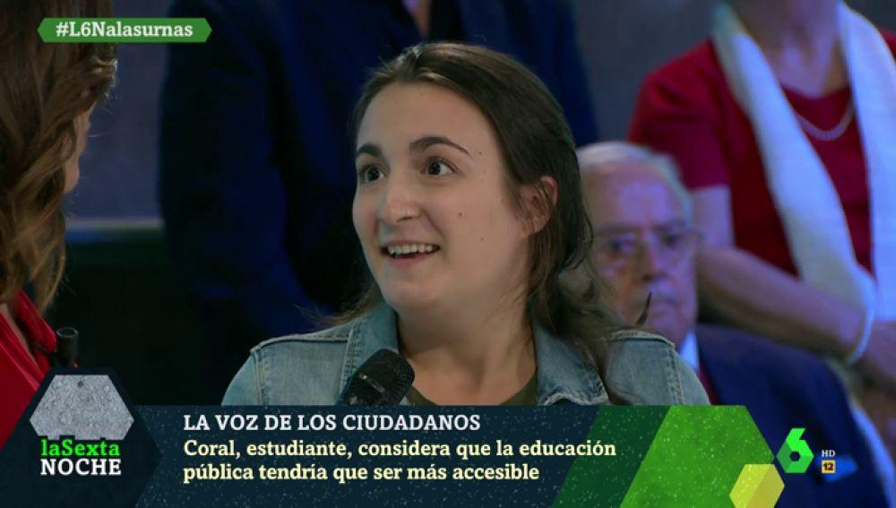 """Coral Latorre, estudiante: """"Todos los jóvenes tenemos claro que tenemos que frenar a la derecha"""""""