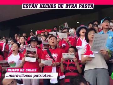 Lo nunca visto: 15.000 japoneses sorprenden cantando el himno de Gales en un entrenamiento