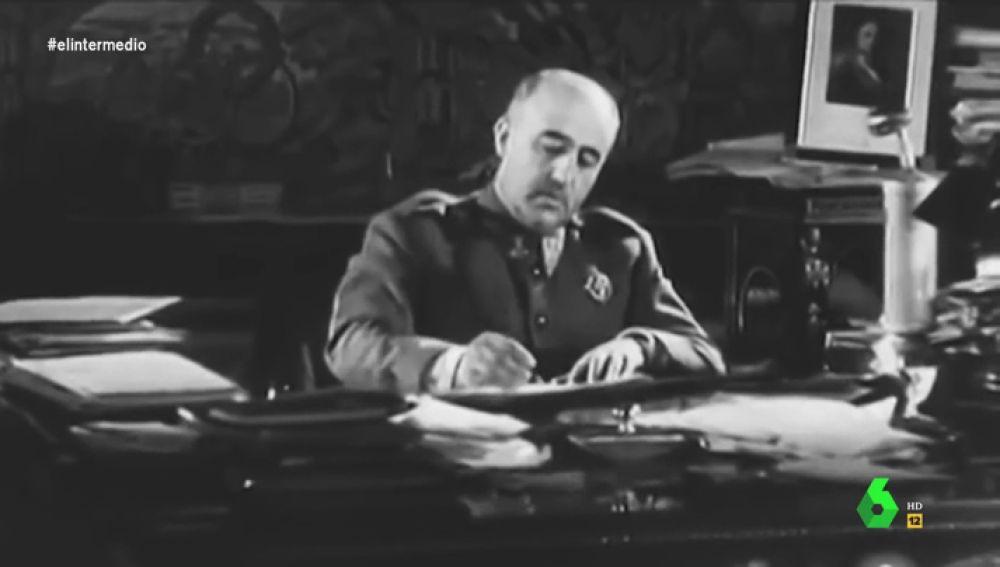 """La 'carta' de Franco tras conocer el aval a su exhumación: """"Me tienen los rojos hasta el huevo"""""""