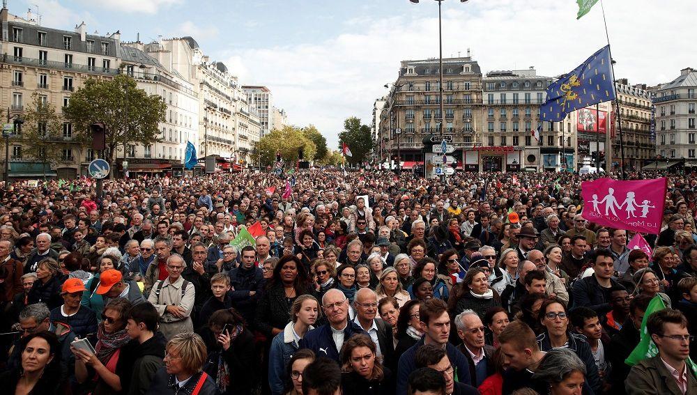 Imagen de la manifestación en contra de la reproducción asistida de solteras y lesbianas en Francia
