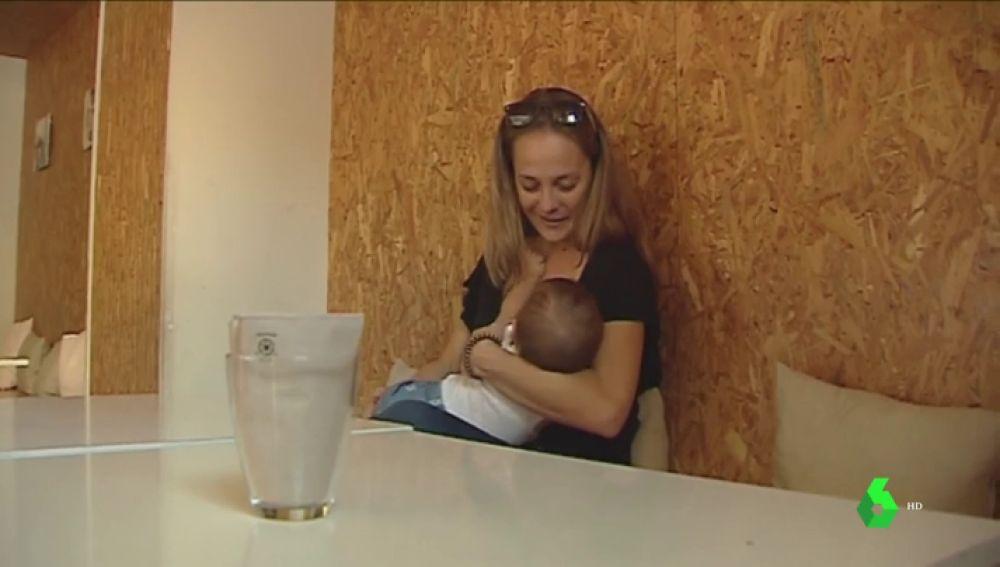 'Amigos de la lactancia materna': la iniciativa que reivindica dar de mamar a tu bebé en comercios y espacios públicos