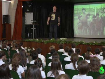 """Iñaki Zubizarreta conciencia sobre el bullying contando su historia: """"Me reventaron la cabeza a patadas y pasé dos días en la UVI"""""""