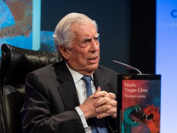 Mario Vargas Llosa presenta 'Tiempos recios'