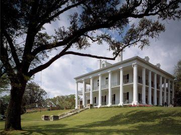 Imagen de archivo de una mansión