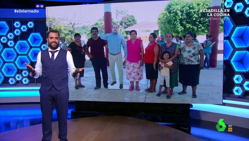 Dani Mateo copia al alcalde mexicano que se ha hecho un doble de cartón para no acudir a los actos