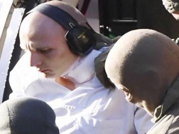 El autor del atentado neonazi en Alemania, trasladado en helicóptero para comparecer ante un tribunal