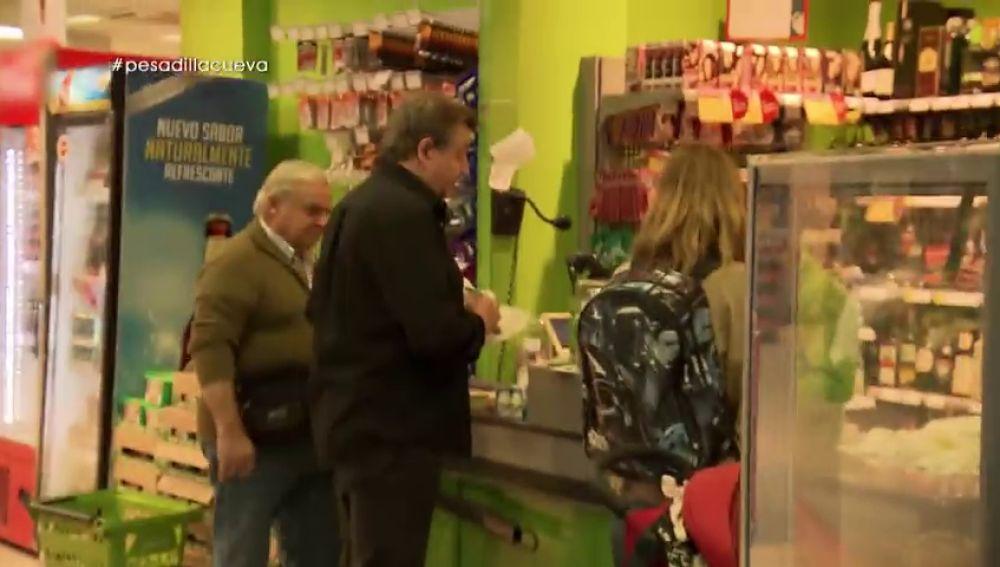 """La consecuencia de la falta de previsión de Emilio, el dueño de La Cueva de Juan: """"Hay días que damos 10 viajes al supermercado"""""""